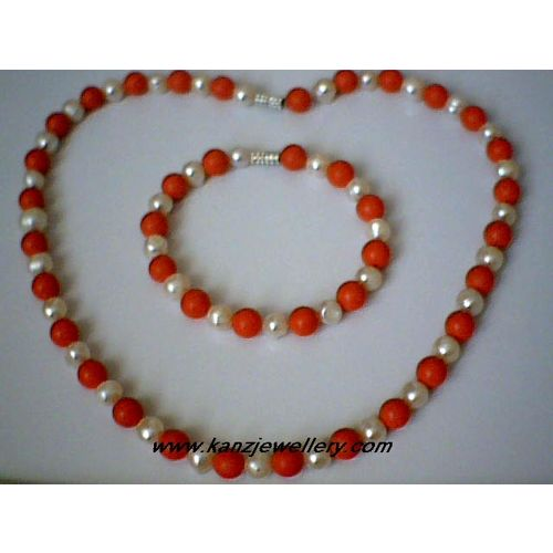 SUPERB QUALITY & SPLENDID 8MM CORAL & FW PEARL SET