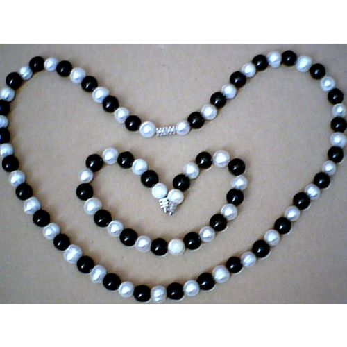SUMPTUOUS & GENUINE FW PEARL & BLACK AGATE 8MM SET