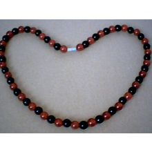 SUPERB QUALITY 8MM BLACK & RED AGATE NECKLACE
