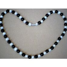 EXCELLENT QUALITY 8MM BLACK AGATE & FW PEARL NECKLACE