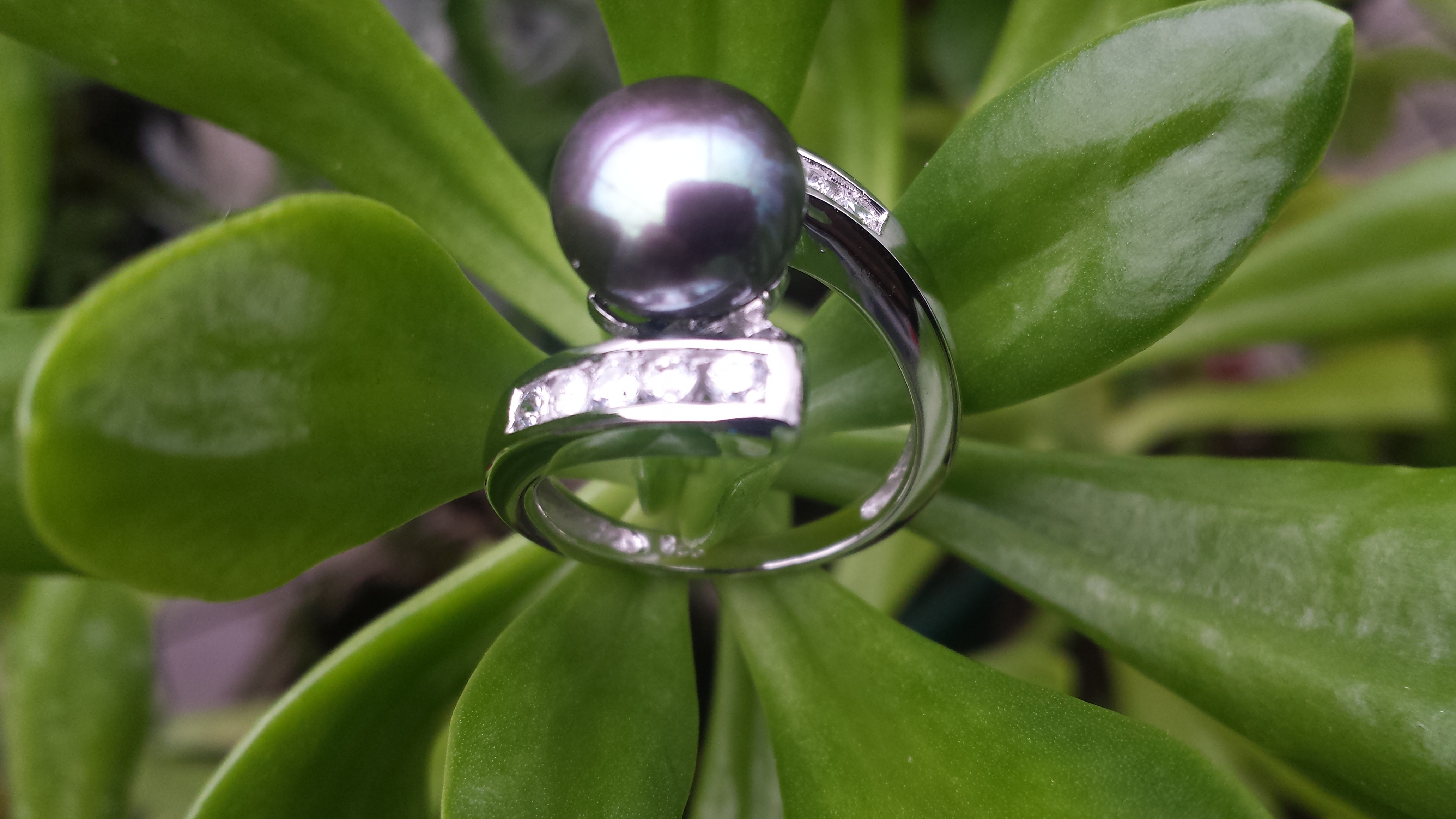 BLACK/GREEN 7-8 MM FRESHWATER  CULTURED PEARL RING WITH CZ