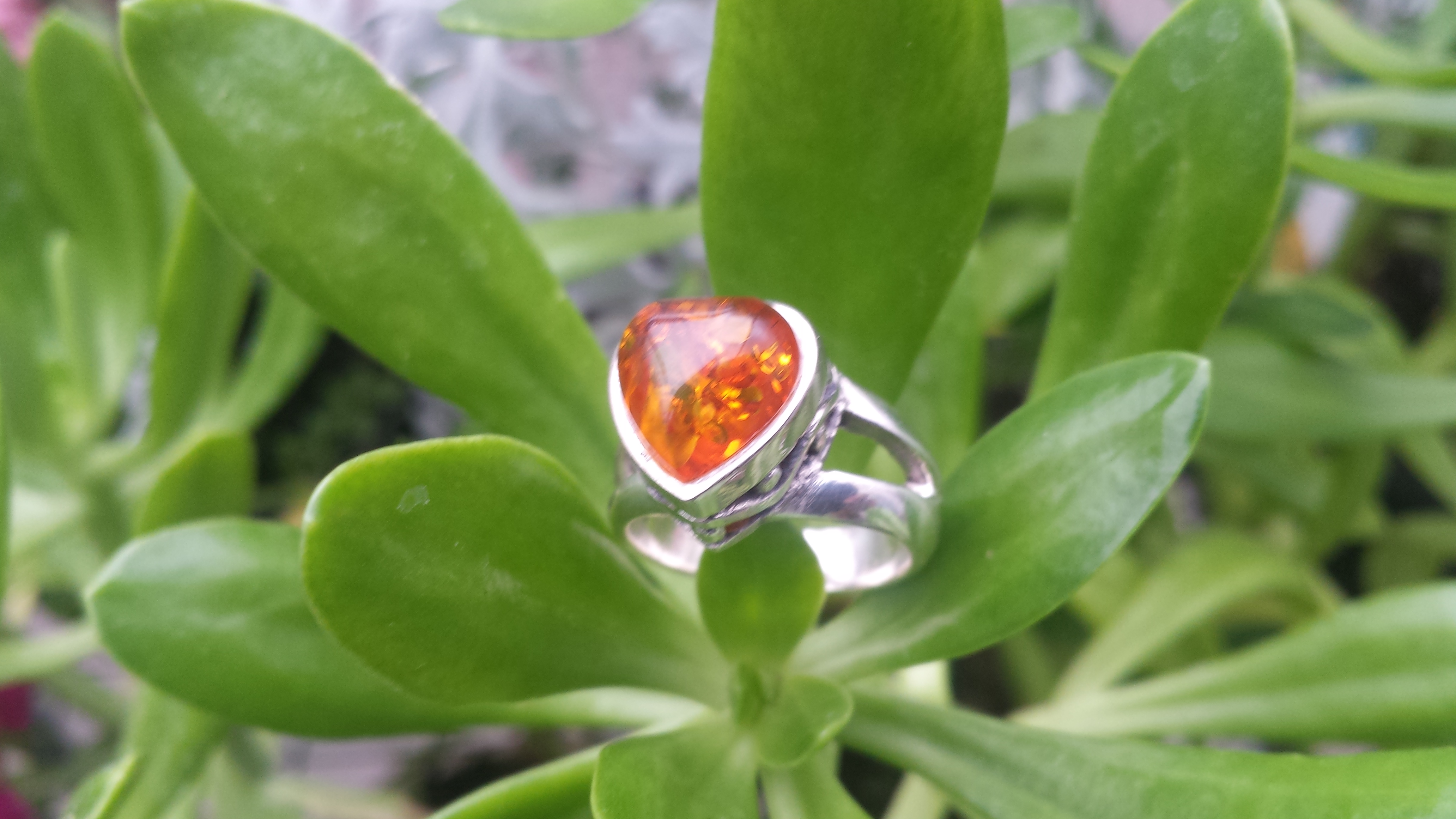 HEART AMBER RING WITH 925 STERLING SILVER .  6G