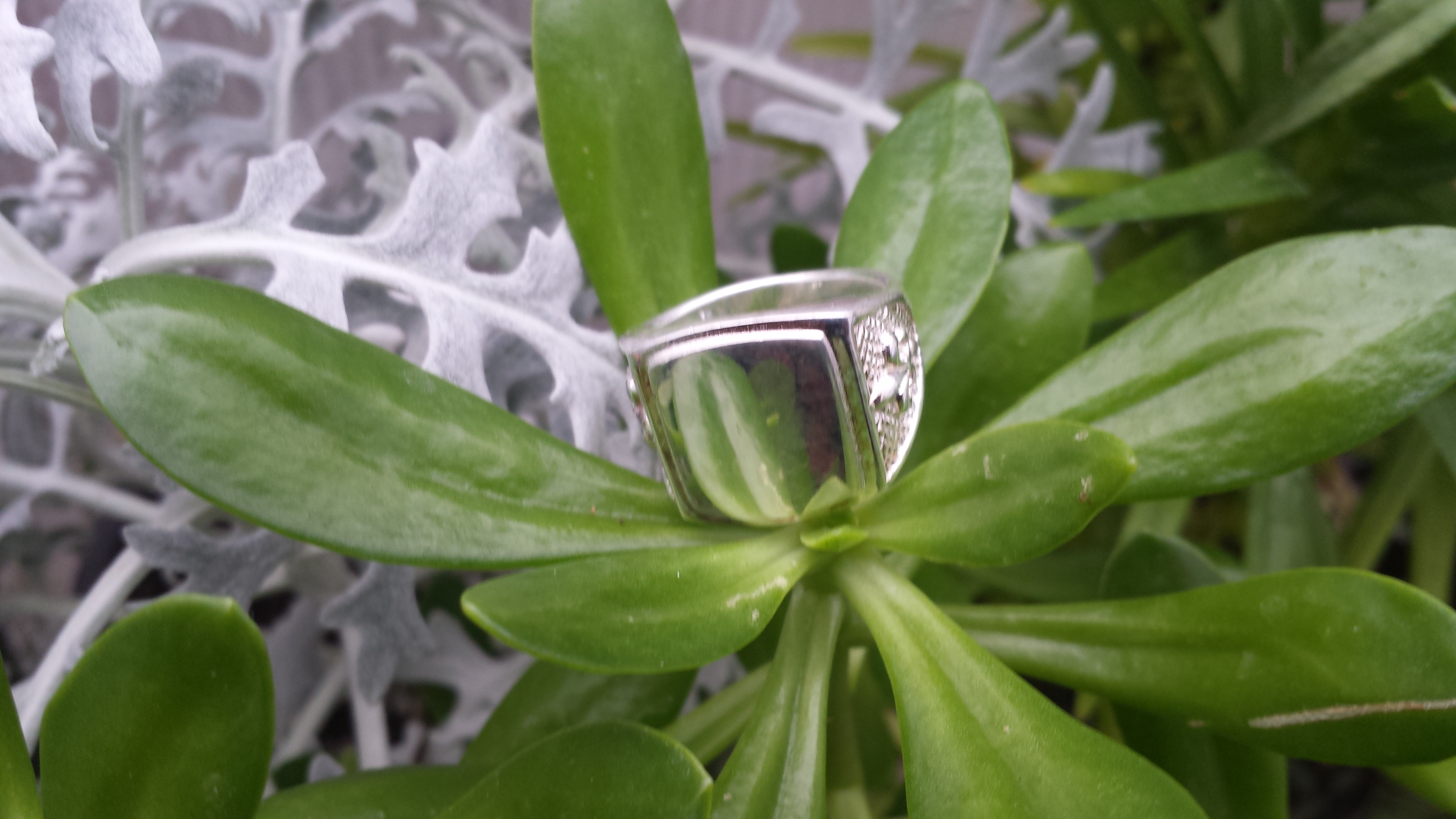 CLASSIC HANDMADE HEAVY 925 STERLING SILVER RING 13 G.