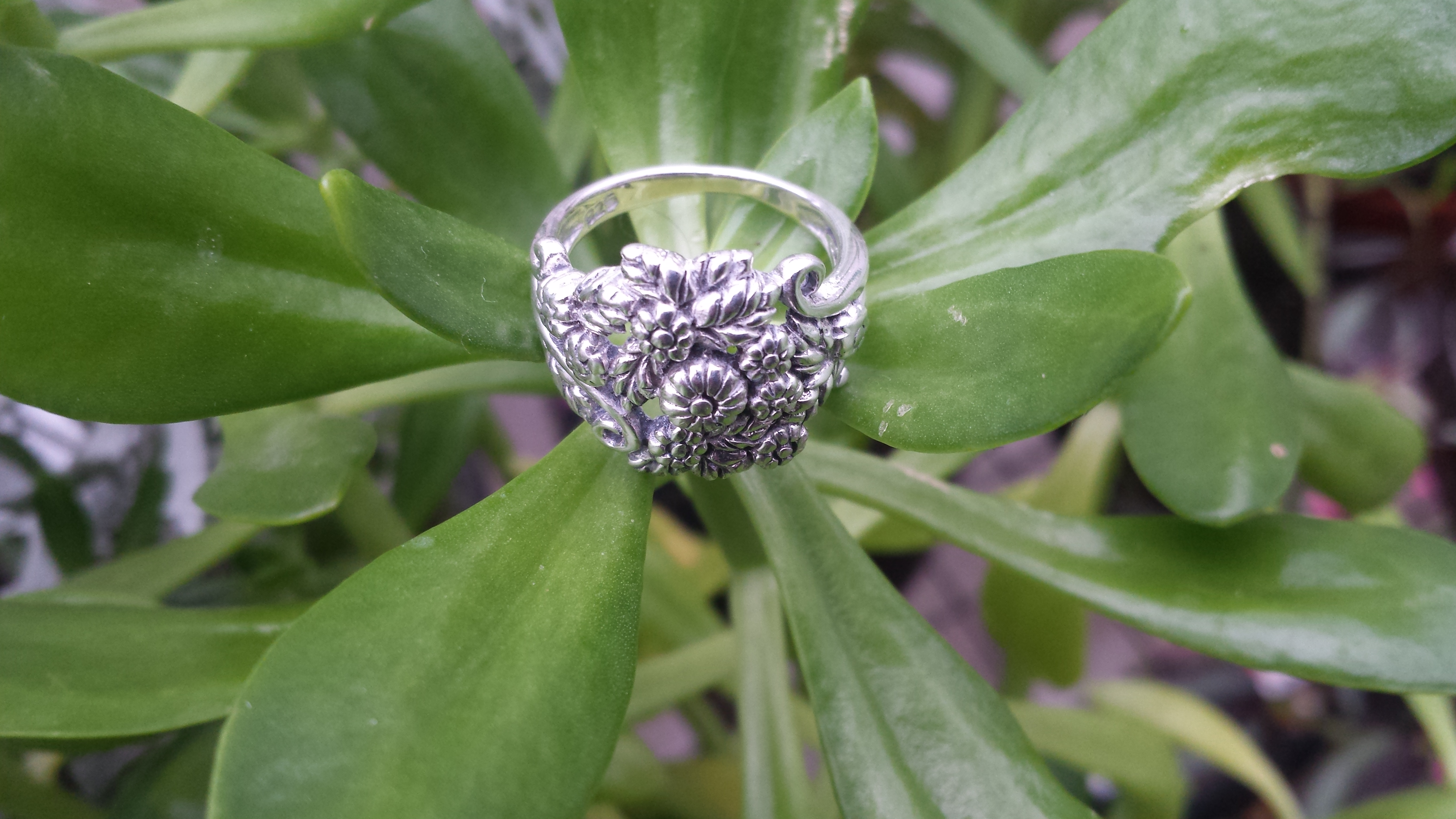 SUMPTUOUS FLOWERS RING IN 925 STERLING SILVER. 5G