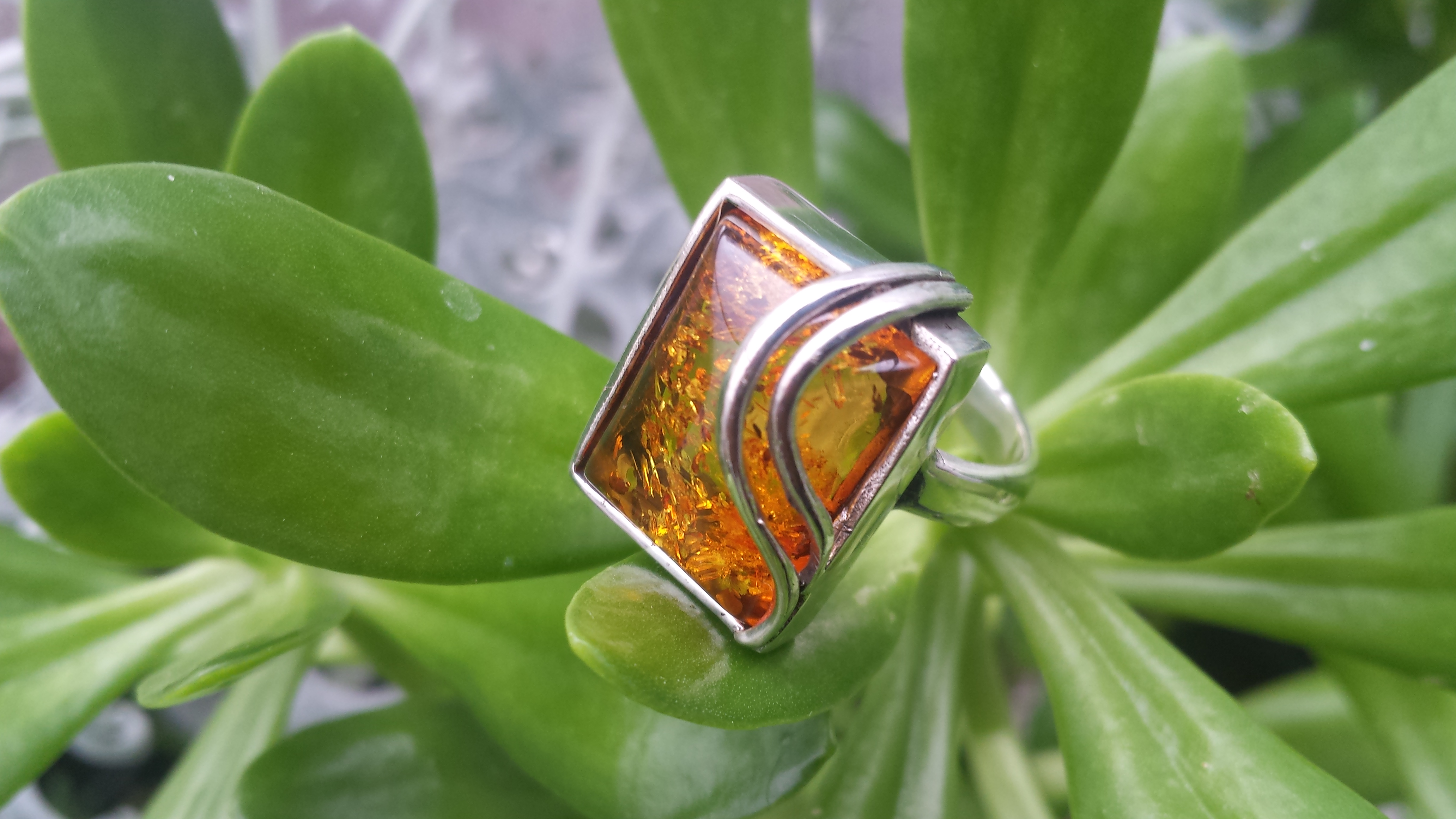 SUPERB AMBER RING WITH SOLID 925 STERLING SILVER Size 7   10 G